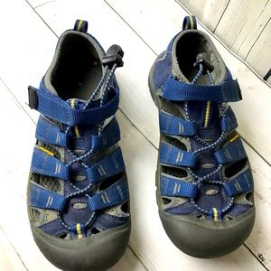 KEEN Sandals Fisherman Size 5 Sport Athletic